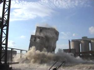 Demolari cu explozibili